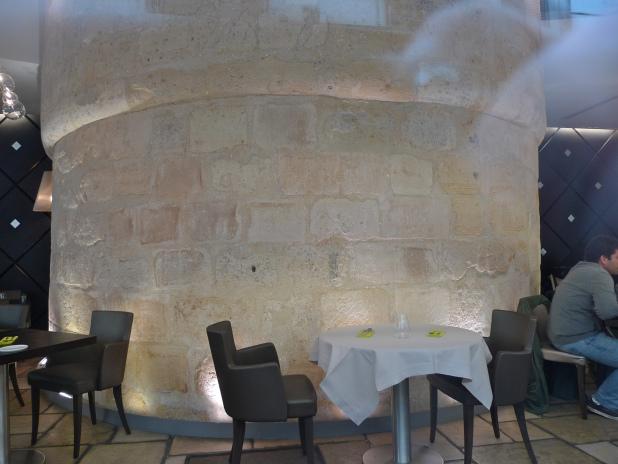 Image source: soundlandscapes.wordpress.com. Inside Un Dimanche à Paris